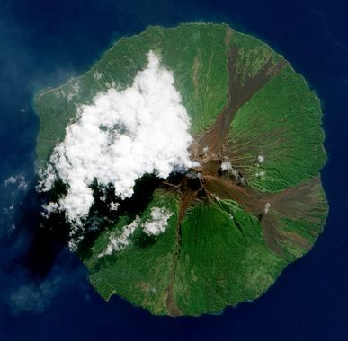 A picture of Manam volcano